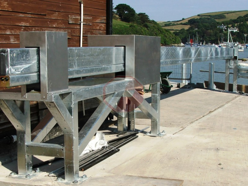 Salcomber Cantilever Sliding Barrier