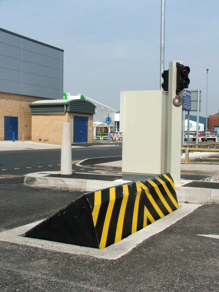 Road Blocker and control cabinet